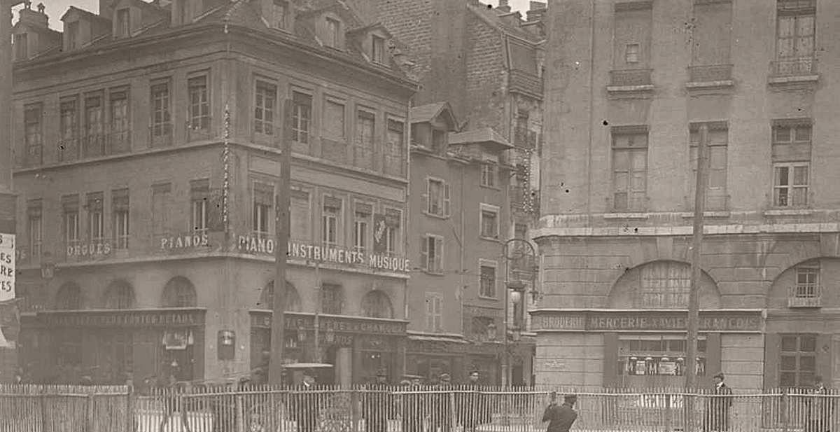 Halle détruite - au bout du chantier rue de Bonne