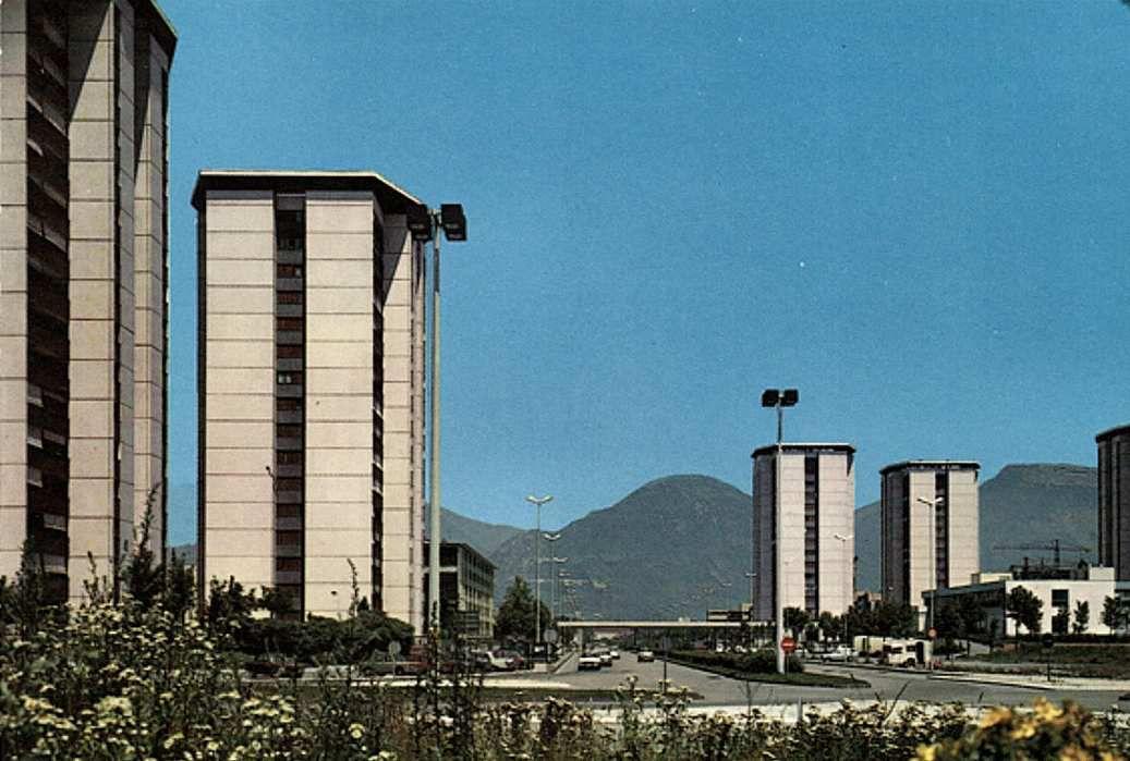Village olympique  (2ème  ensemble grenoblois de plus de 1000 logements dont 80 à 90% HLM)