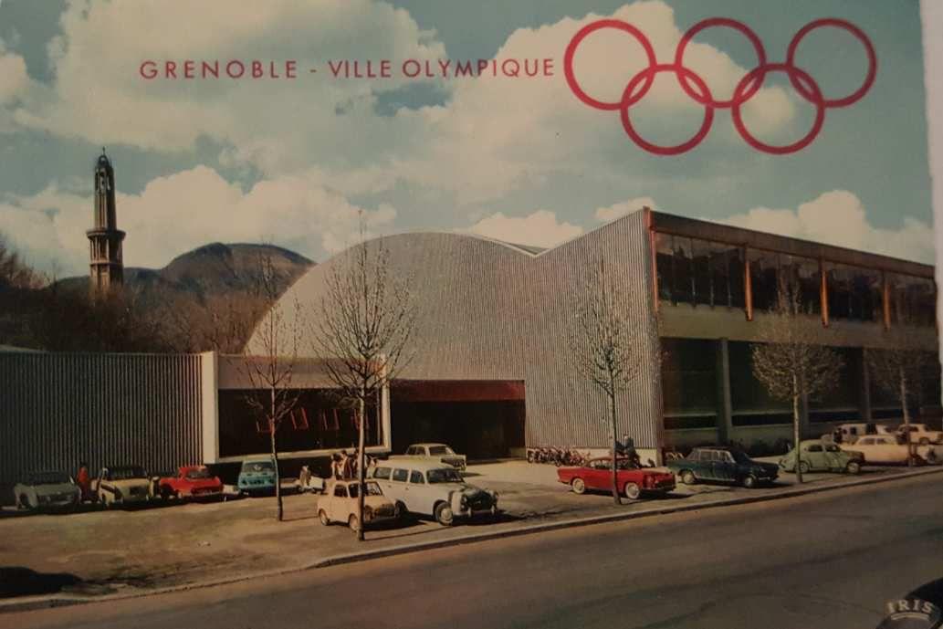 Grenoble (parc Paul Mistral): Ancienne patinoire Clémenceau. Contruite à l'occasion des JO. Aujourd'hui désaffectée elle est devenue la halle Clémenceau