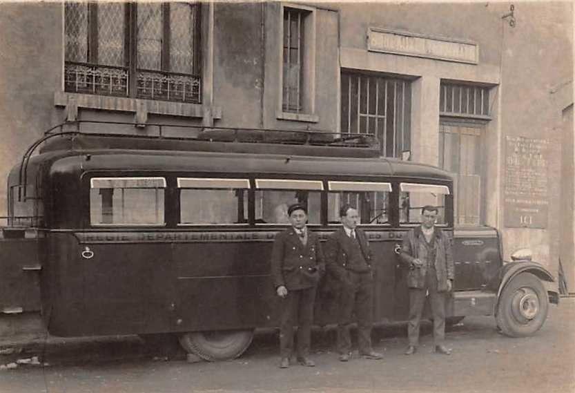 Un des 1er bus  VFD dans les années 30