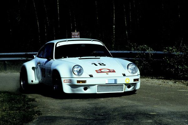 Porsche-Carrera-RS-à-l-attaque- Photo-Thierry-Le-Bras