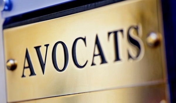Plaque-cabinet-d-avocats- Copyryight-inconnu