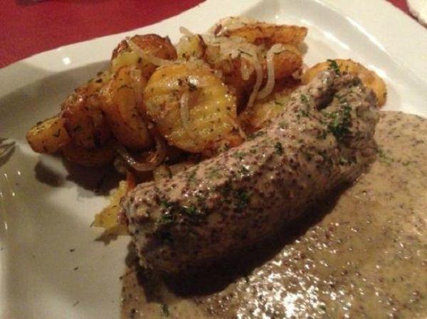 Andouillette-sauce-moutarde-piquante-et-ses-patates - Copyright-inconnu