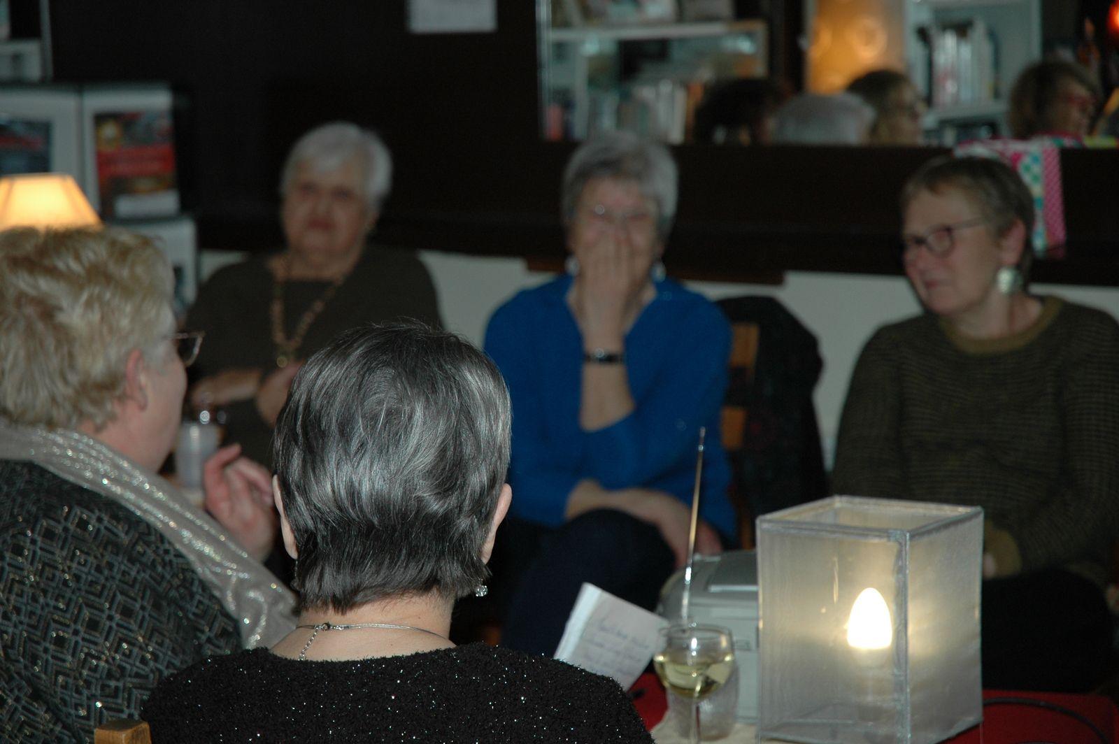 Une très belle soirée de partage en poèmes, chansons et textes pour le Printemps des Poètes à l'association Paroles d'Hucbald. Merci à vous d'avoir eu LE COURAGE de venir!