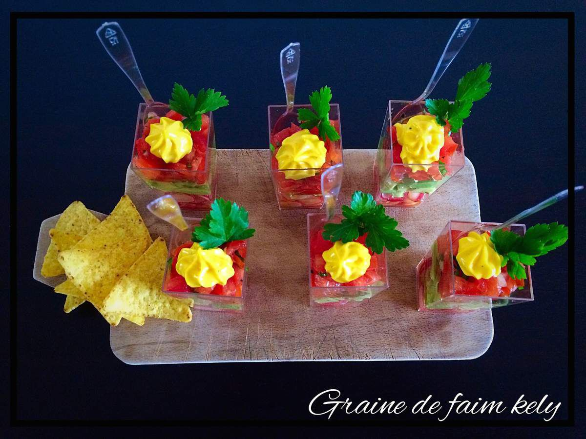 Tartare de tomates, avocat, radis en verrine