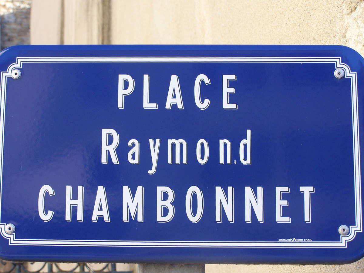 Plaque de la place Raymond Chambonnet