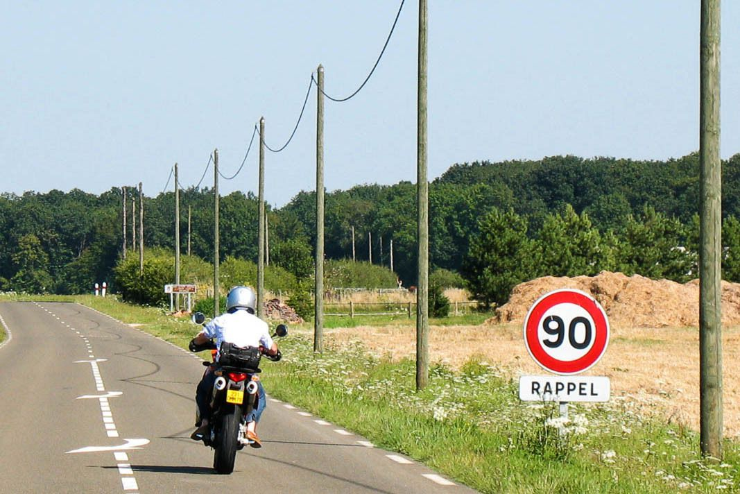 VITESSE LIMITÉE À 80 km/h (par FFMC)