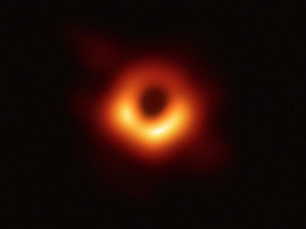Retour sur la première (véritable) image d'un trou noir