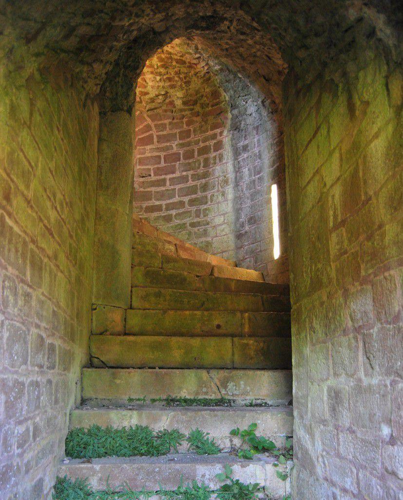 Quelques escaliers sont encore bien conservés