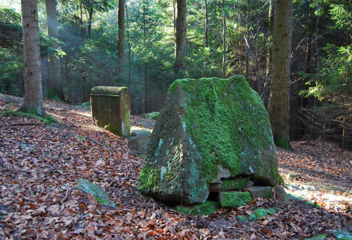 Des stèles funéraires de nos encêtres