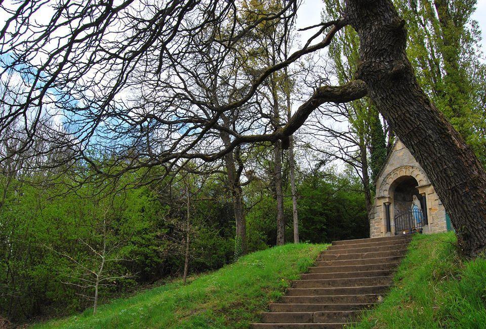 La petite chapelle au dessus d'Echternach