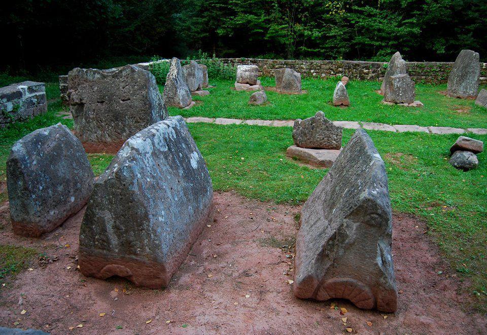 Un autel dans la forêt de Dabo