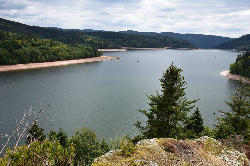 Le lac depuis le rocher des Corbeaux