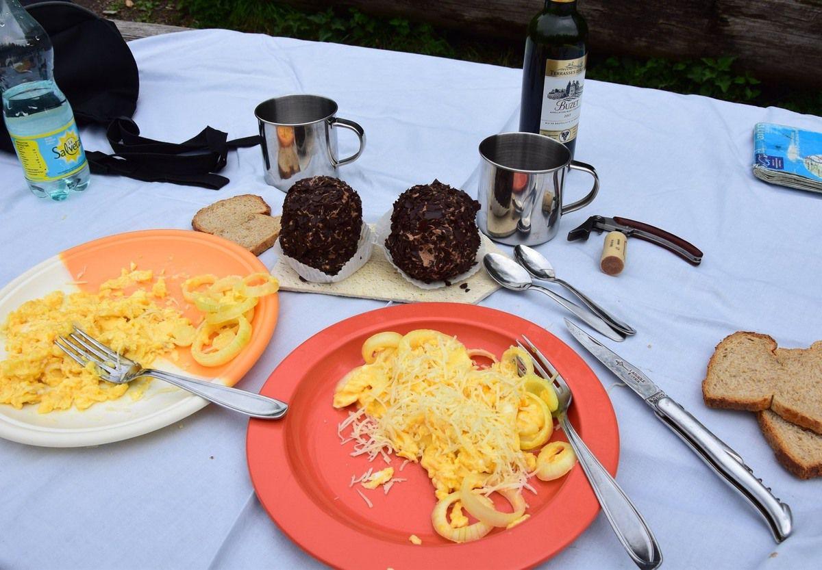 Une omelette au refuge de la Tannhutte