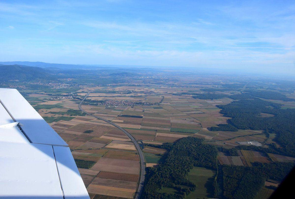 La plaine d'Alsace n'est qu'une large étendue de terres cultivées et de petites forêts