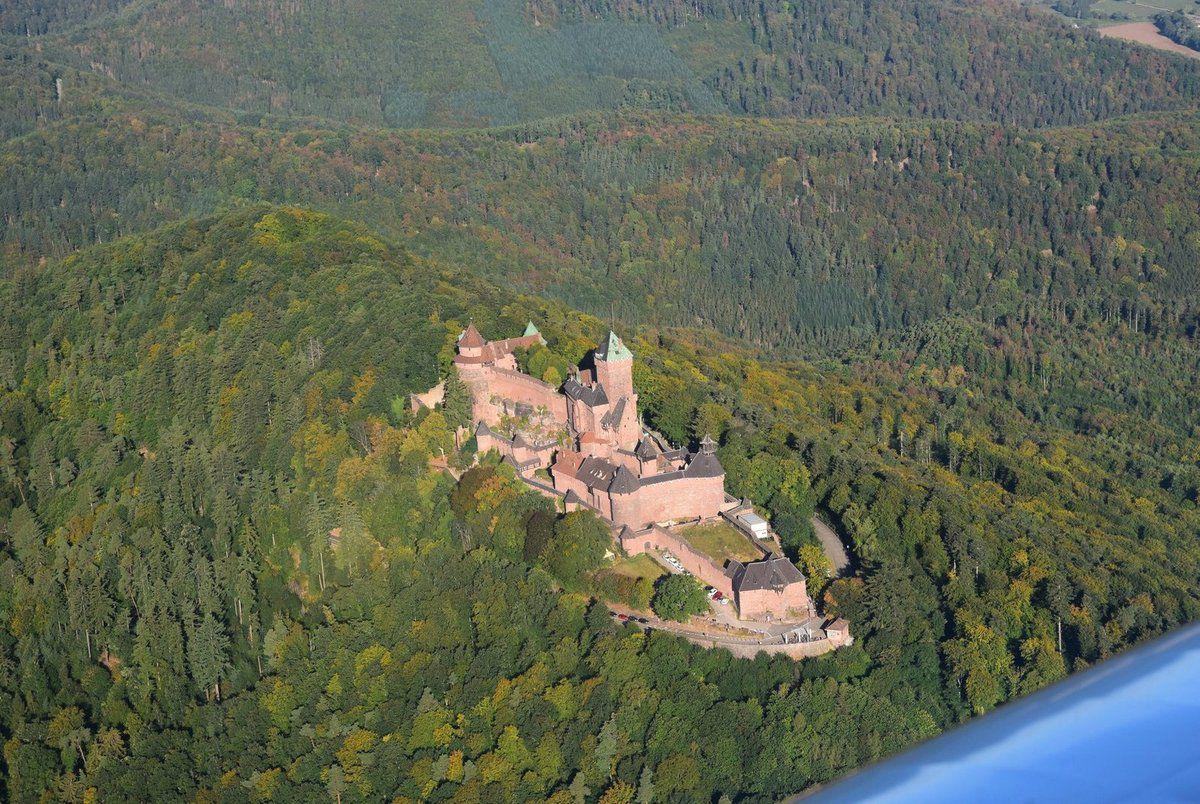 Nous faisons plusieurs cercles au dessus du château de l'Allemand