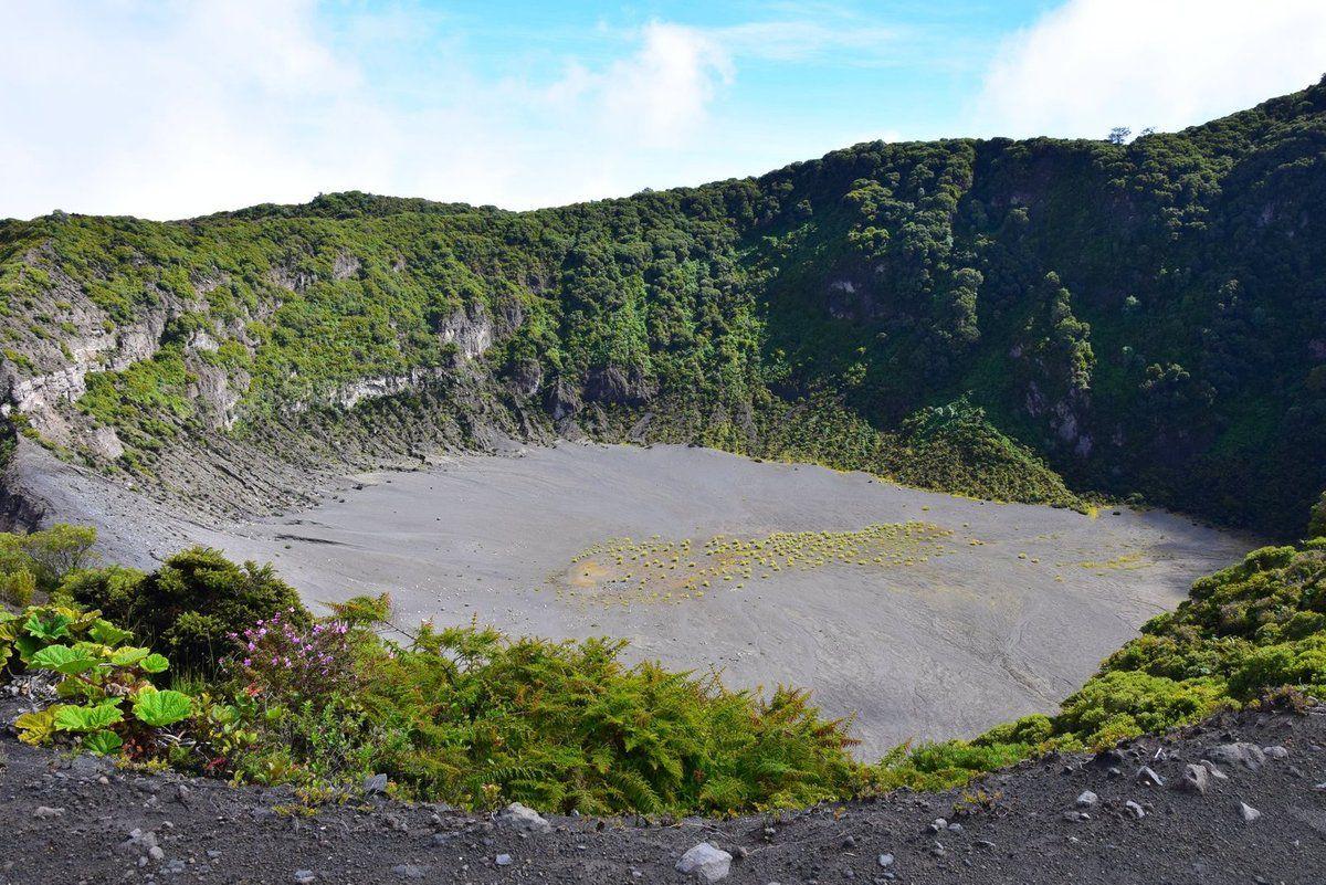 Le cratère Diego de la Haya, au Nord de la caldeira