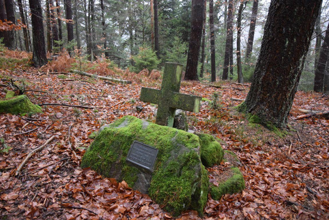 La tombe de Aloyse Dey