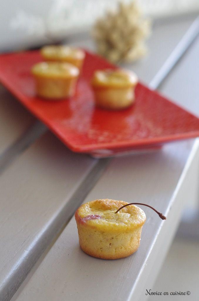 Petits gâteaux cerises et nectarines