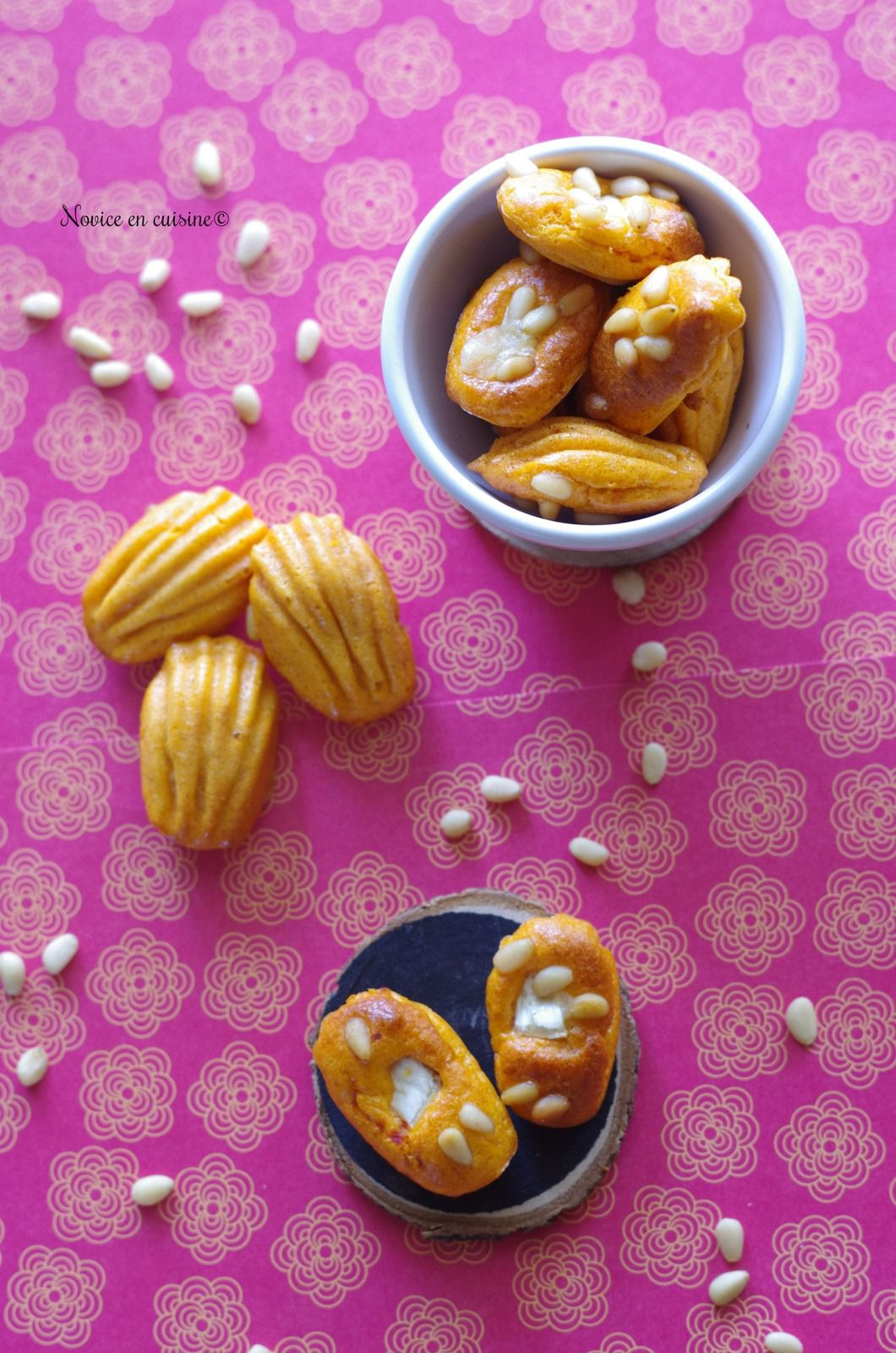 Minis madeleines tomates/chèvre et pignons de pin