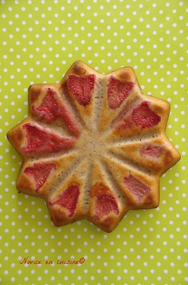 Gâteau aux fraises et noisettes