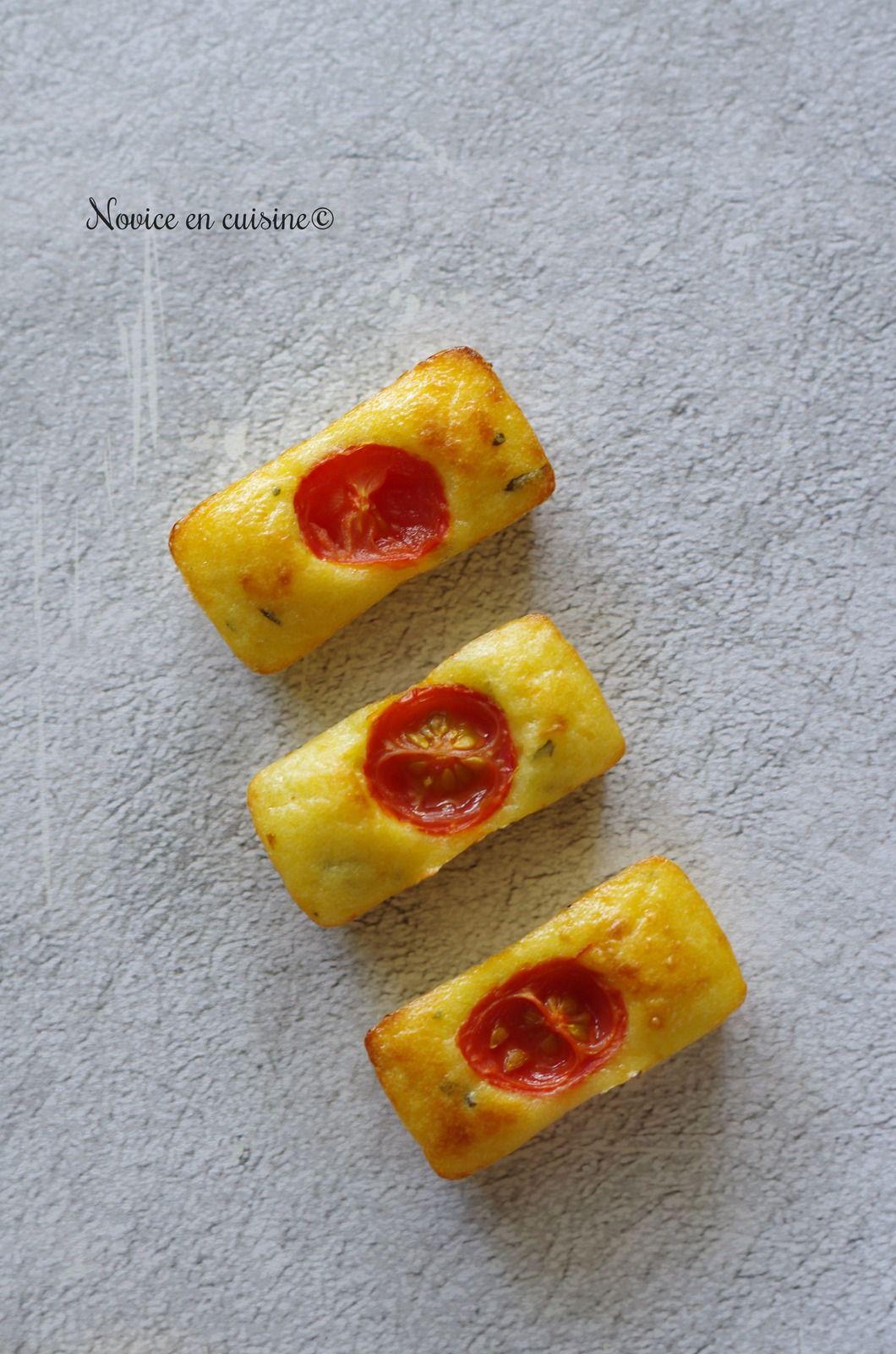 Minis lingots parmesan, tomates cerises et basilic