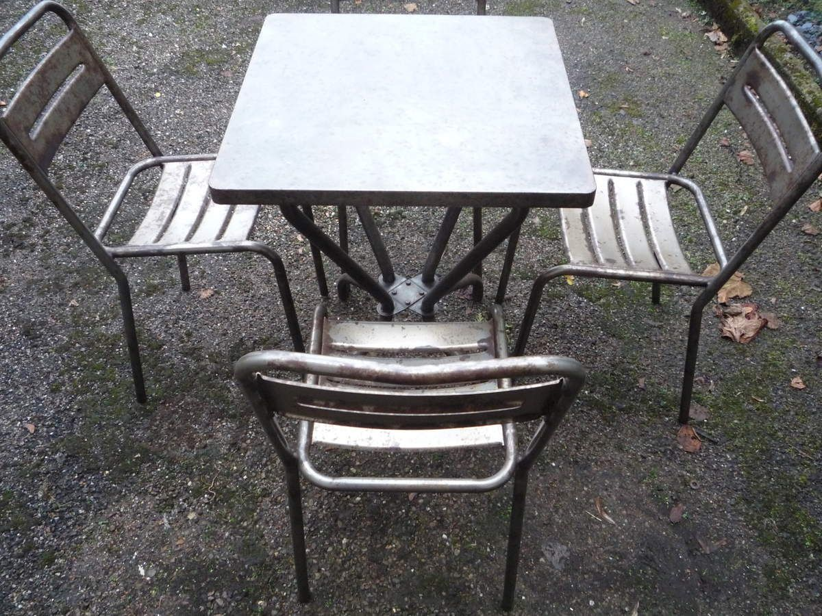 GUERIDON TABLE TOLIX PIEDS ARQUES TUBE BROSSE 1950