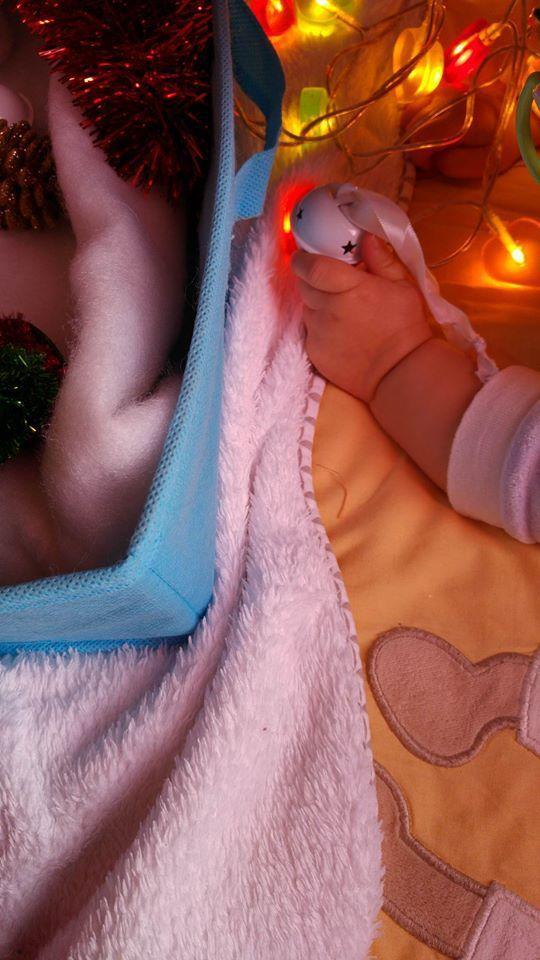Bac sensoriel de Noël pour bébé