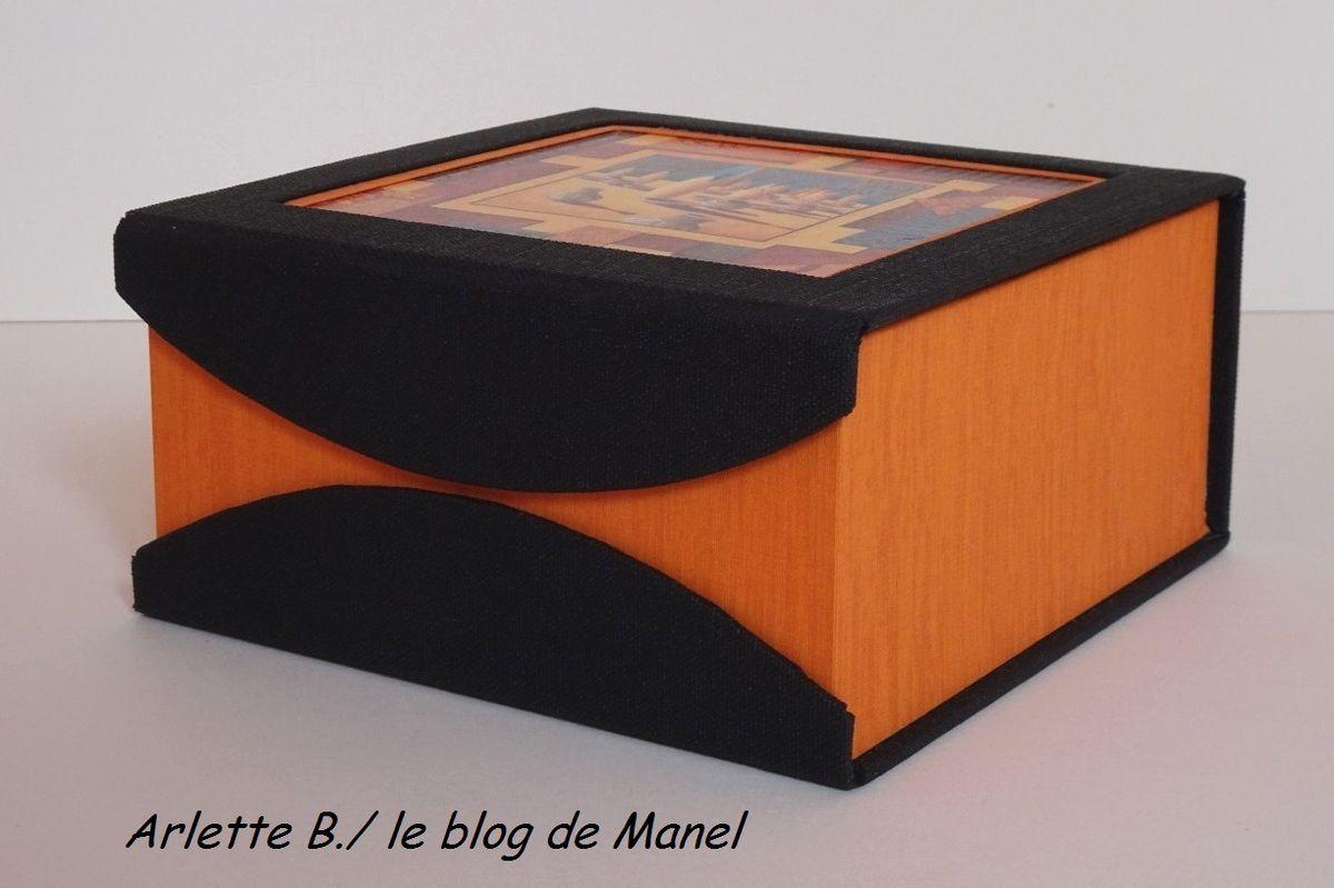 ARLETTE B./ ELEVE DE MANEL / BOITE A SACHETS DE THE