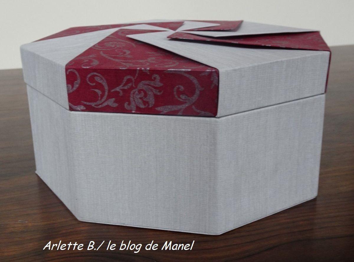 ARLETTE B./ELEVE DE MANEL /BOITE OCTOGONALE A ONGLET COUVERCLE ORIGAMI