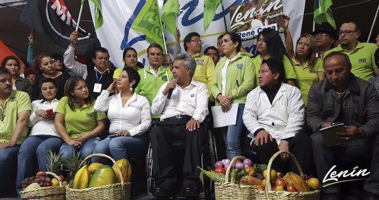 Lenin Moreno (au micro au centre de la photo) lors de sa campagne électorale -source:expreso.ec