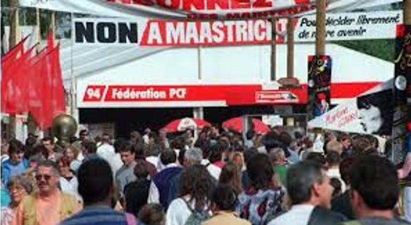 Le stand du PCF 94 à la fête de l'Humanité 1992