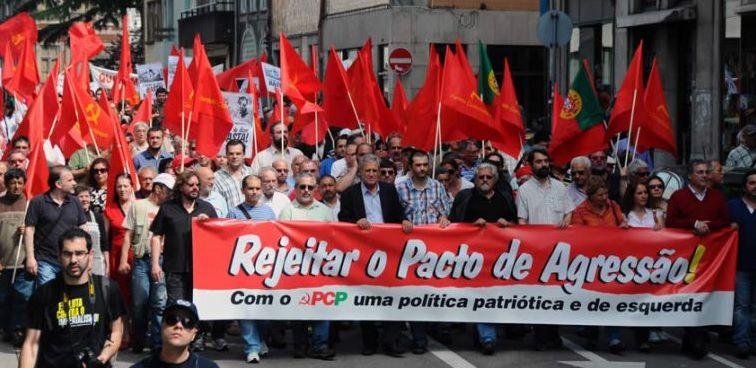 """Manifestation du Parti Communiste Portugais contre le """"Pacte d'agression"""""""