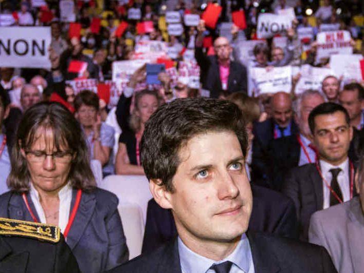 Le secrétaire d'Etat à la Cohésion des territoires, Julien Denormandie, a reçu un accueil houleux à Strasbourg lors du congrès de l'Union social pour l'habitat. Les participants entendaient dénoncer le récent projet de loi des finances et la baisse des APL, récemment annoncés par le gouvernement. (source : bfm tv)