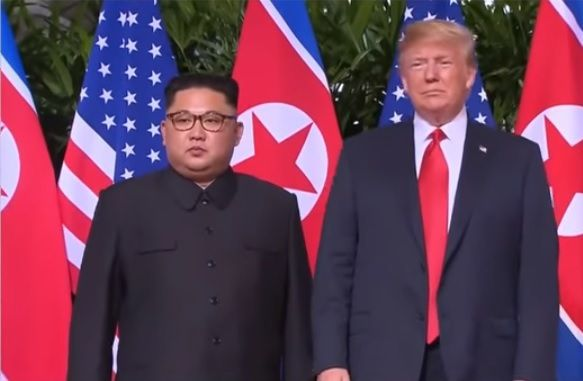 Trump- Kim (capture d'écran RT France]