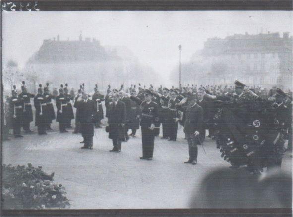 7 décembre 1938 : IGNOBLE dépôt de gerbe à PARIS, après la sanglante « nuit de cristal » du 9 novembre 1938, fomentée en Allemagne par les NAZIS au pouvoir