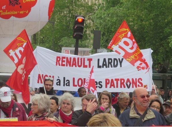 Les salariés de Renault Lardy en manif (photo: el diablo)