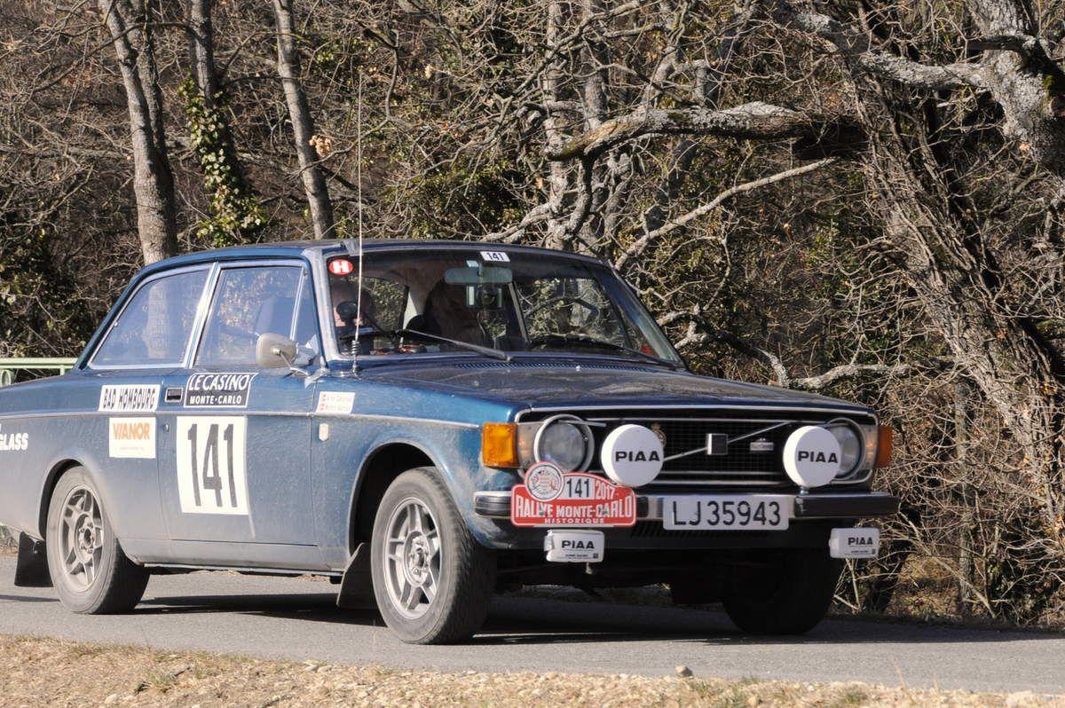 Monty Karlan(N)/Arne Dolerud(N) Volvo 142 1973 ..... Photo : R.S.