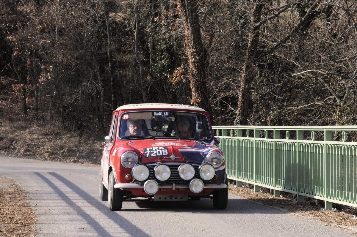 William Richards(GB)/Graham Carter(GB) Morris Mini Cooper S 1965 ..... Photo : R.S.