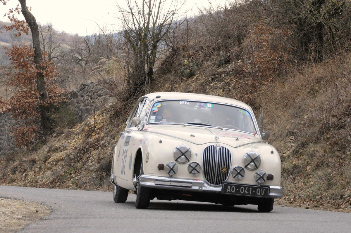 Simon Nobili(I)/Régis Masson(F) Jaguar Mk II 3,8 1961 ...... Photo : R.S.