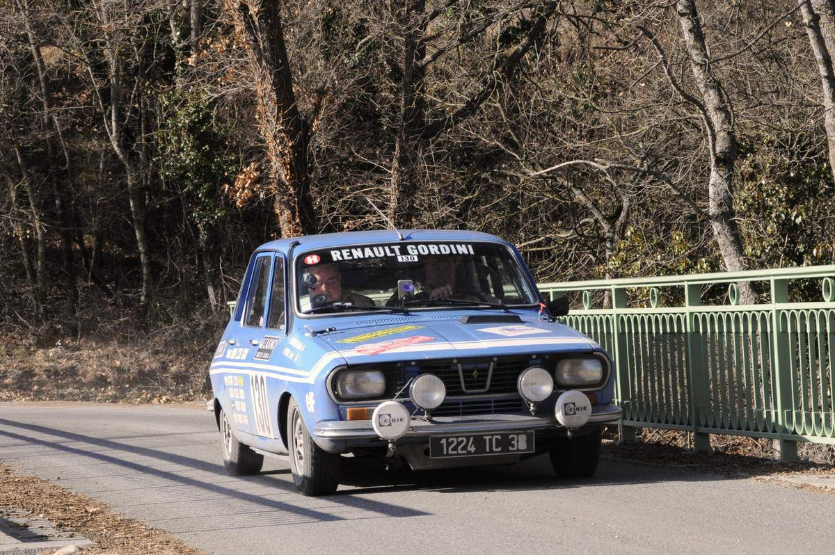 Christian Michal(F)/Bernard Vivier(F) Renault 12 Gordini 1971 ..... Photo : R.S.