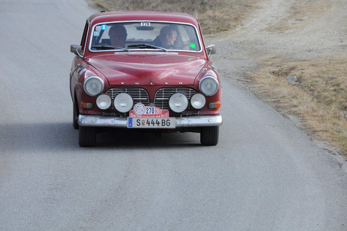 Gert Pierer(A)/Gunter Meierer(D) Volvo 122 S 1965 ..... Photo : R.S.