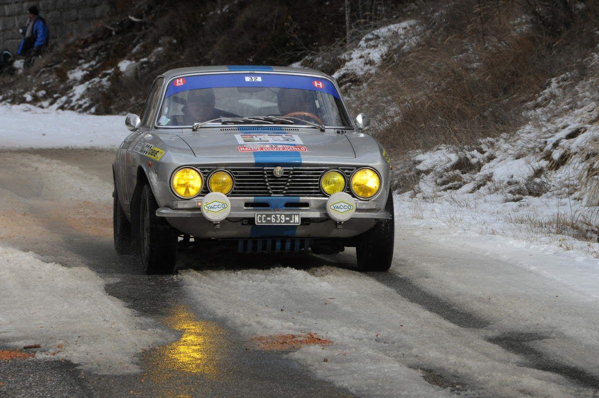 Alexis Bizarilli(F)/Patrick Botasso(F) Alfa Romeo Giulia GTV 20001972 ..... Photo : R.S.