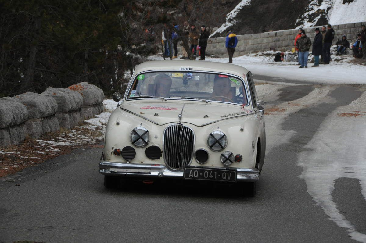 Simon Nobili(I)Régis Masson(F) Jaguar MK 2 3,8 1961 ..... Photo : R.S.