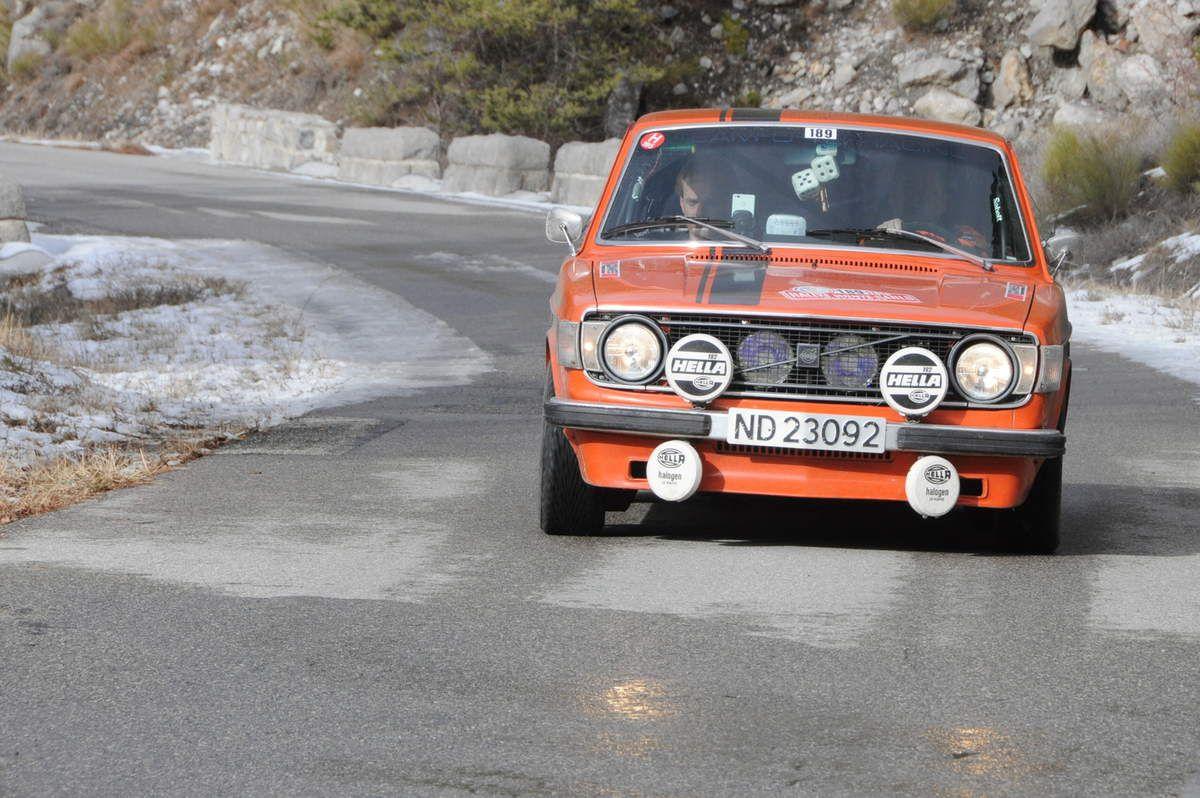 Tommy Gofjeld(N)/Stian Karlsen(N) Volvo 142 1973 ..... Photo : R.S.