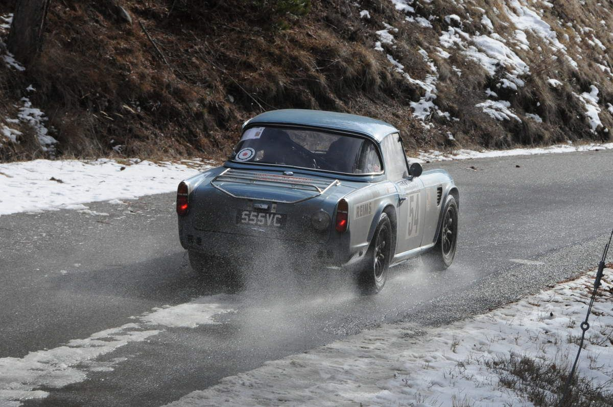 Peter Barker(GB)/Peter Scott(GB) Triumph TR4 1963 ...... Photo: Rémi Saumont