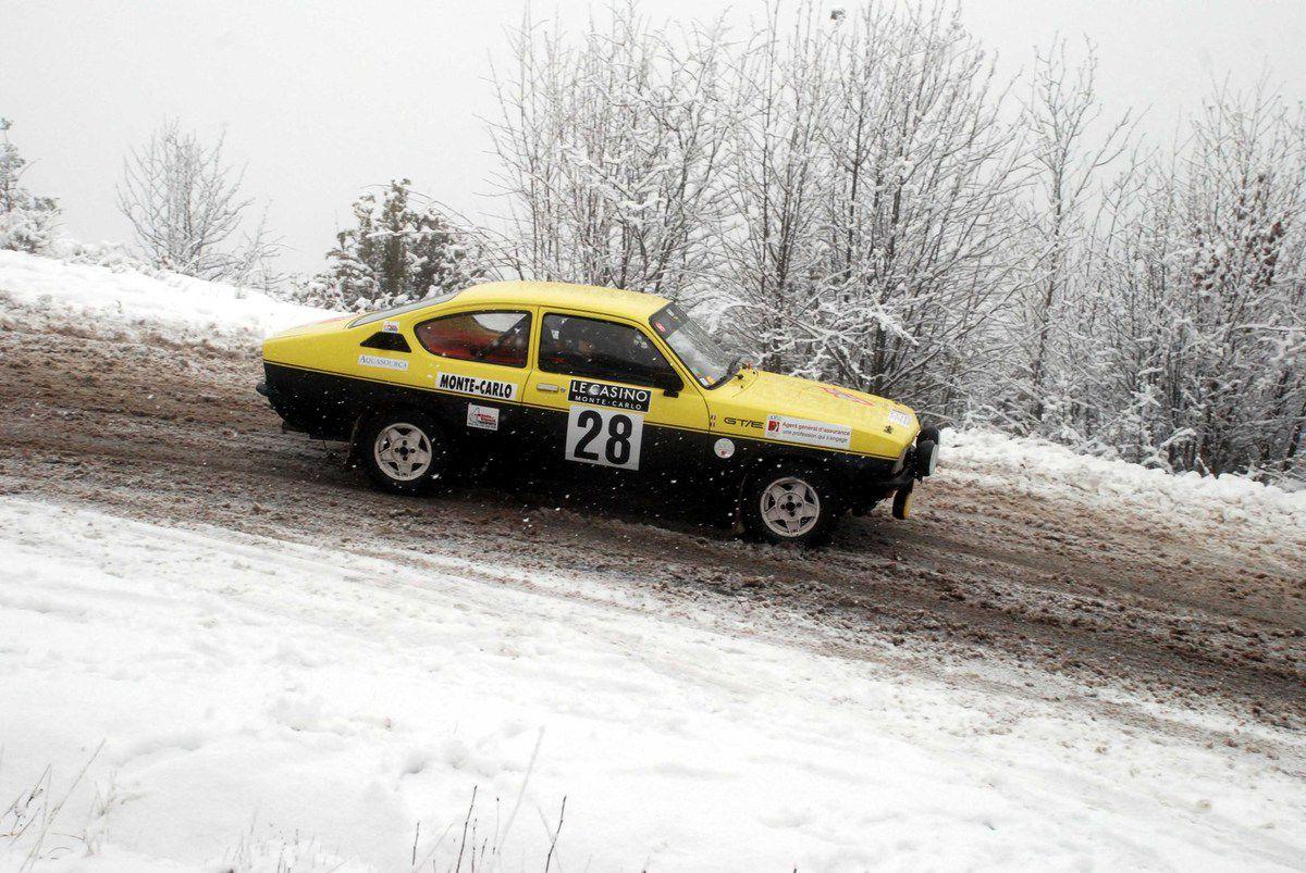 Michel Abattu(F)/Didier Vignal(F) Opel Kadett GTE 1976 ..... Photo : HC