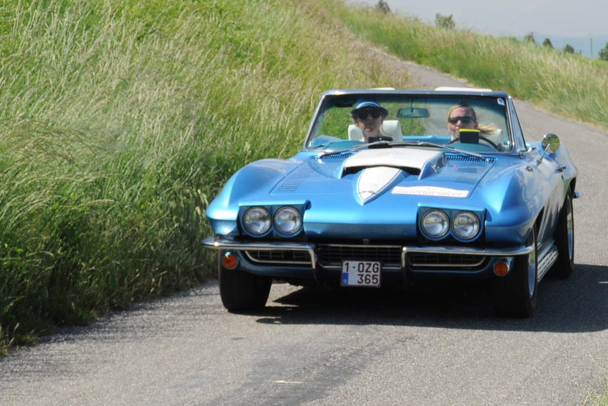1ières : Carole Gratzmuller(F)/Elisa-Noémie Laurent(F) Chevrolet Corvette Stingray C2 1967 ..... Photo : R.S.
