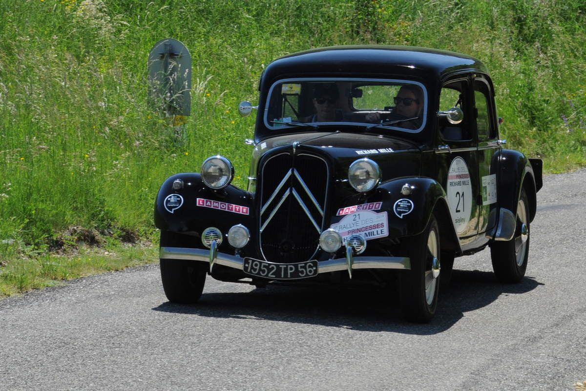 Citroën Traction 1952 ..... Photo : R.S.