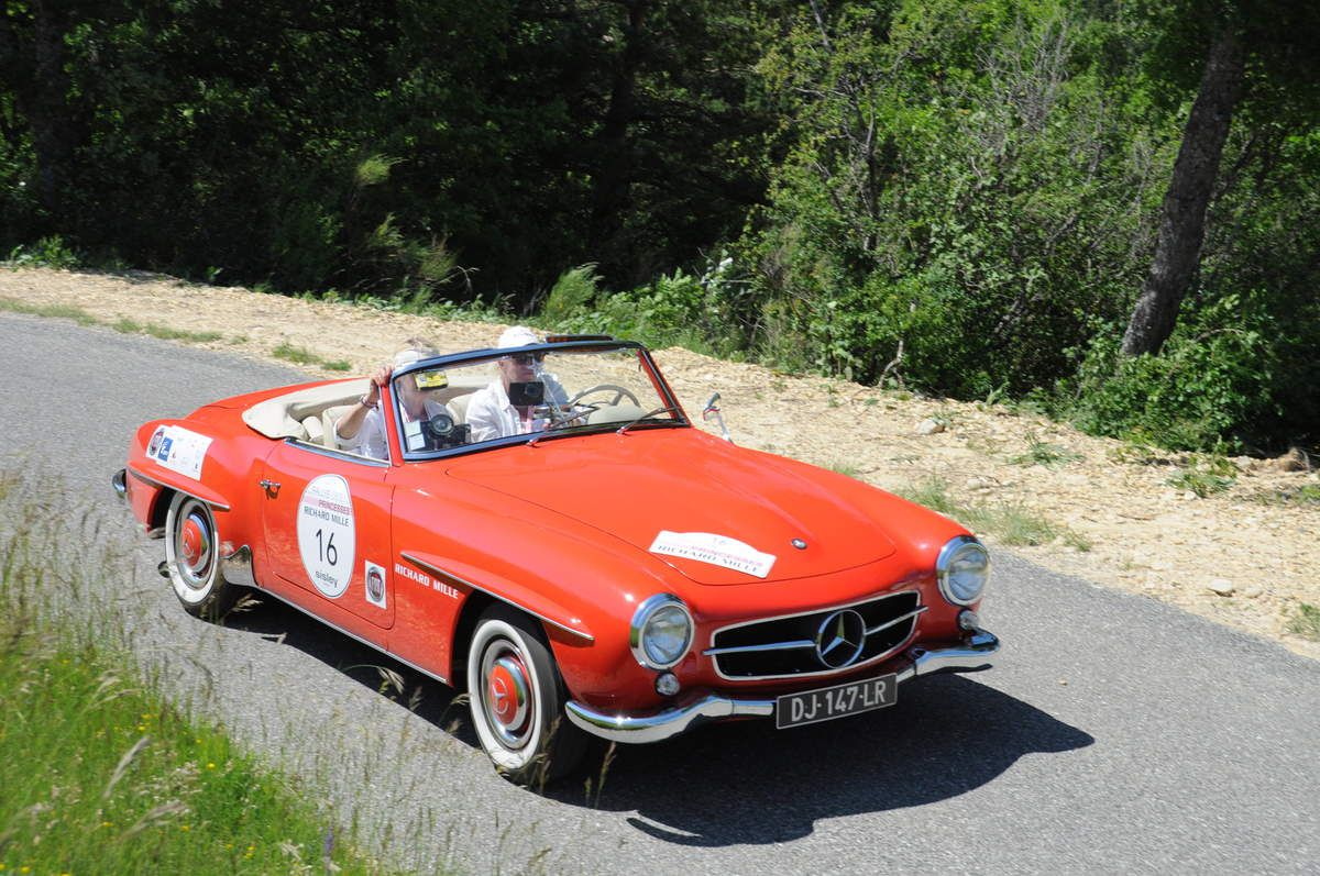 Mercedes 190 SL 1957 ..... Photo : R.S.